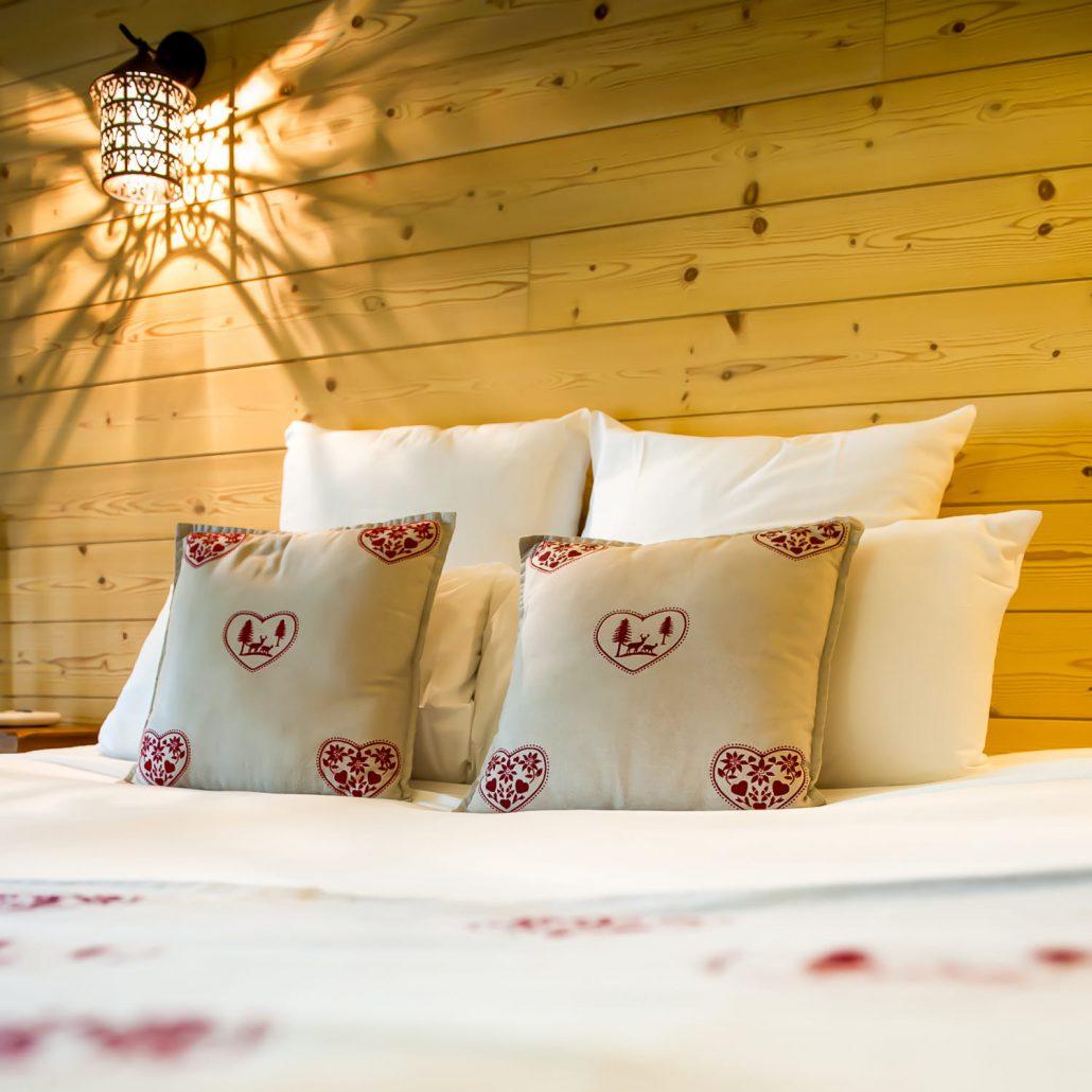 le clos des vignes chambre avec jacuzzi privatif chambre chalet. Black Bedroom Furniture Sets. Home Design Ideas