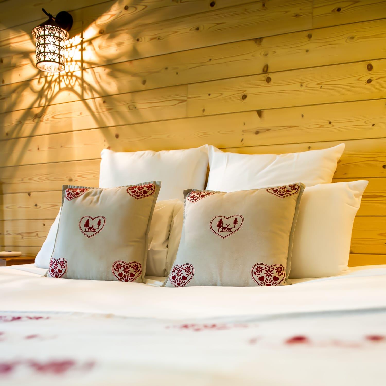 Hotel a honfleur avec jacuzzi dans la chambre trendy instant euphorie with hotel a honfleur for Hotel jacuzzi privatif lorraine
