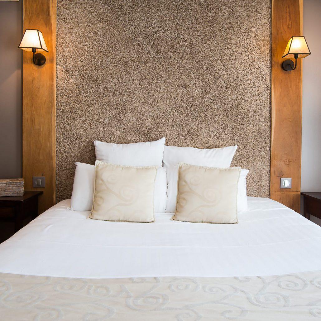 Le clos des vignes chambre hotel avec jacuzzi chambre for Chambre avec jacuzzi barcelone