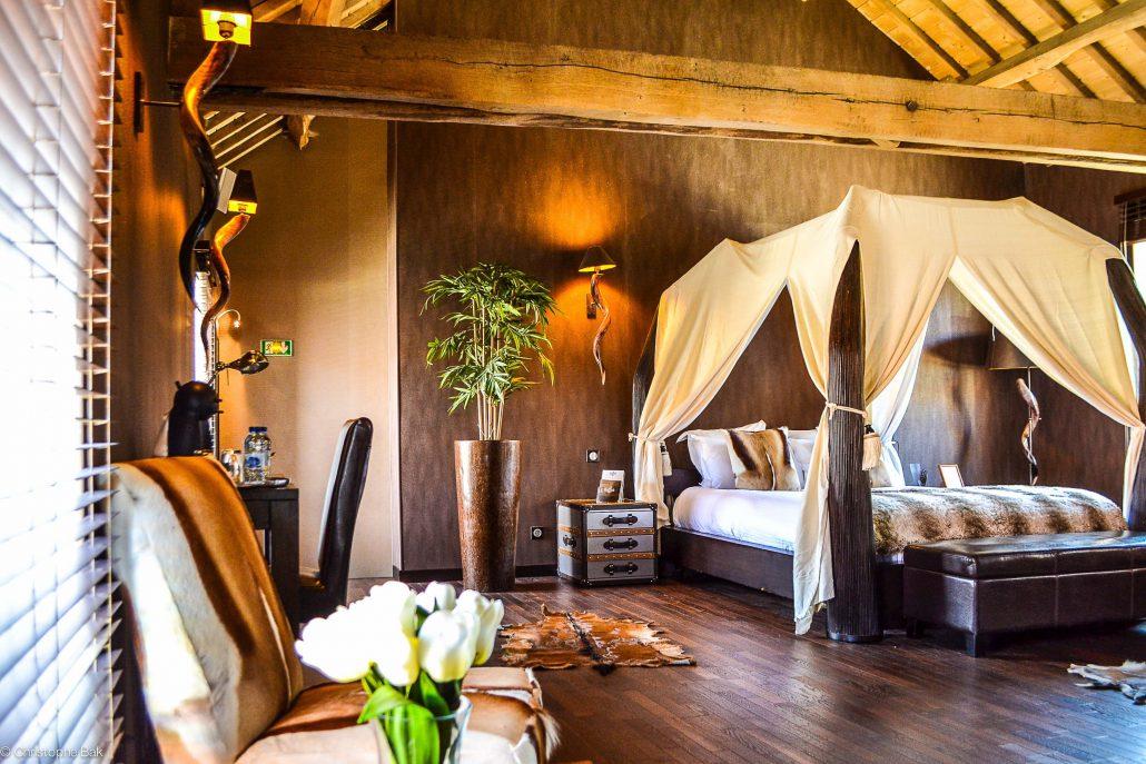 LE CLOS DES VIGNES • Suite Lodge • Chambre romantique avec jacuzzi