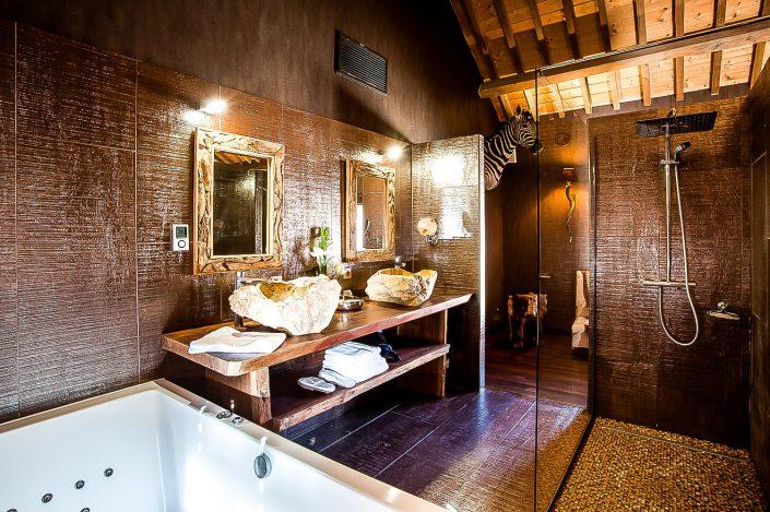 hotel avec jacuzzi le clos des vignes galerie photo. Black Bedroom Furniture Sets. Home Design Ideas